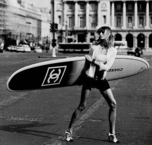 Chanel_longboard_shoot