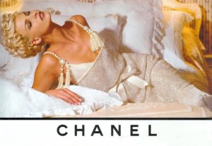 chanel_pearl_dress_linda1