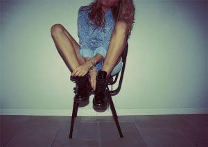dr-martens-boots-fashion-footwear-girl