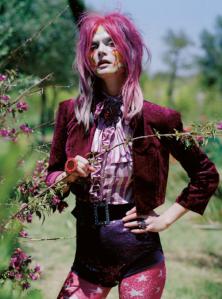 Malgosia-Bela-for-Vogue-UK-December-2012-12