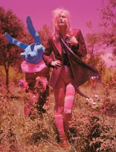 Malgosia-Bela-for-Vogue-UK-December-2012-15