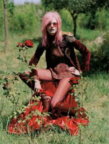 Malgosia-Bela-for-Vogue-UK-December-2012-4
