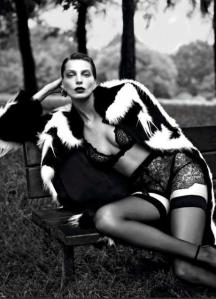 scriptical-wordpress-le-noir-daria-werbowy-by-mert-marcus-for-vogue-paris-september-2012-6-460x634