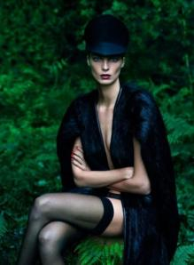 scriptical-wordpress-le-noir-daria-werbowy-by-mert-marcus-for-vogue-paris-september-2012-8-460x628