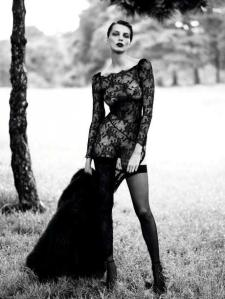 scriptical-wordpress-le-noir-daria-werbowy-by-mert-marcus-for-vogue-paris-september-2012-9-460x613